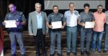 Policia Militar homenageia Policial do Mês