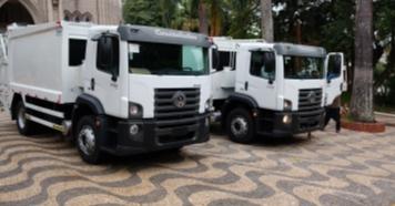 Prefeitura recebe caminhões para coleta de lixo