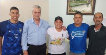 Canoístas visitam prefeito José Maria Costa